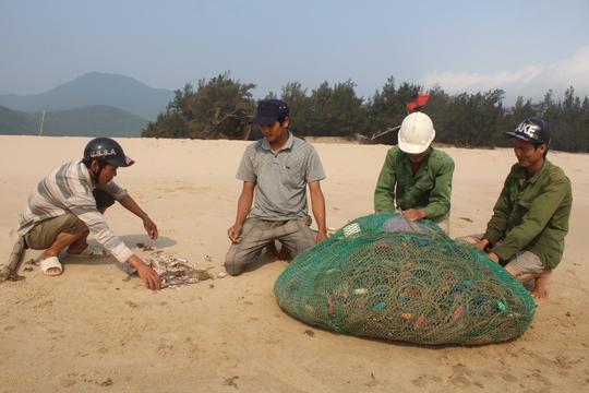 Ngư dân Hà Tĩnh rất cần sự hỗ trợ để ra khơi bám biển