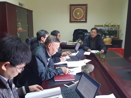 Ông Nguyễn Phi Truyền (bên phải) làm việc cùng Đoàn công tác của Tổng cục Lâm nghiệp - Bộ NN-PTNT ngày 1-3 - Ảnh: VNN
