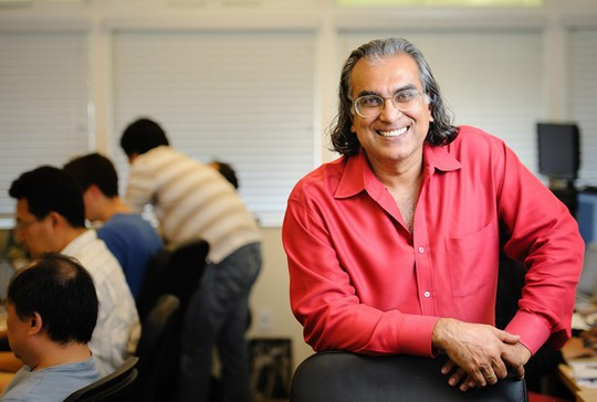 Peter Relan - nhà đầu tư nổi tiếng tại thung lũng Silicon, chủ của incubator YouWeb. Ảnh: Siliconbeat.
