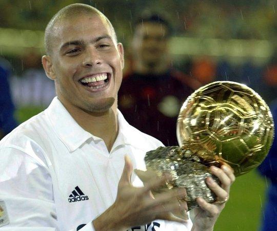 Ronaldo giành Quả bóng vàng trong thời gian khoác áo Real