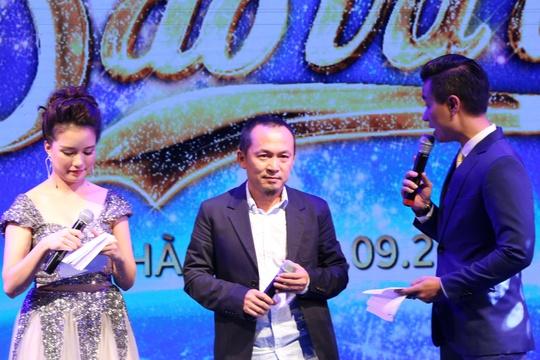 Quốc Trung giao lưu tại Đêm sao tri ân, nói về cơ duyên trở thành biên tập âm nhạc cho Vietnam Airlines