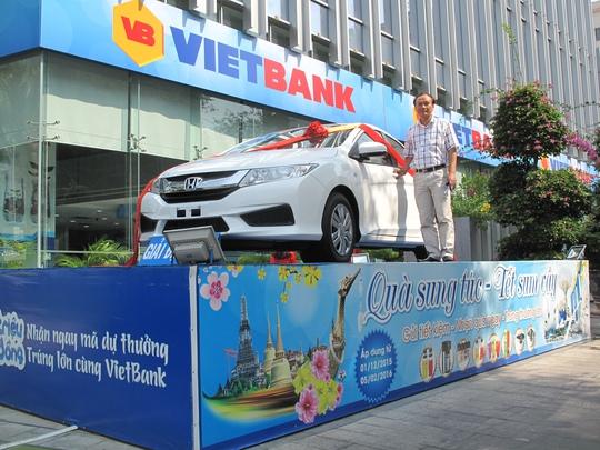 Ông Vũ Phúc Thanh nhận giải thưởng ô tô Honda City trị giá hơn 600 triệu đồng