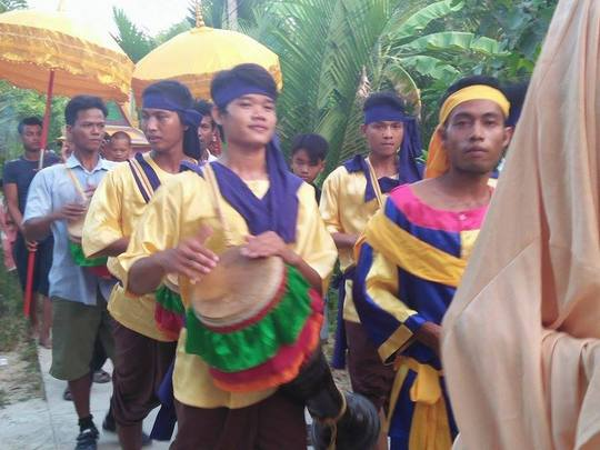 Đồng bào Khmer tổ chức lễ tiễn Tevôđa cũ về trời, rước Tevôđa mới giáng trần