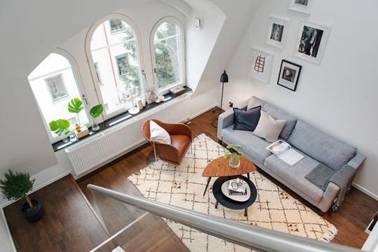 Maisonette là những căn hộ có hai hay nhiều tầng và một cổng ra vào riêng mặc dù vẫn thuộc một tòa nhà nào đó.