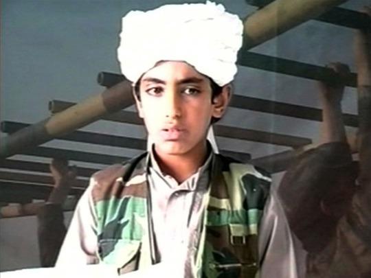 Hình ảnh cũ của con trai út Hamza bin Laden của cựu thủ lĩnh Al Qaeda Osama Bin Laden. Ảnh: Independent