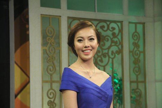 Á hậu 1 Bản sắc Việt toàn cầu 2016 cho hay cô đang cân nhắc việc tham gia các cuộc thi sắc đẹp quốc tế