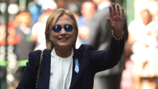 Sức khỏe của bà Hillary Clinton đang được sư luận nước Mỹ hết sức chú ý. Ảnh: AP