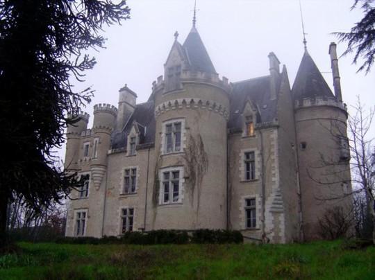 Lâu đài ma ám Fougeret - Ảnh: touraine-insolite
