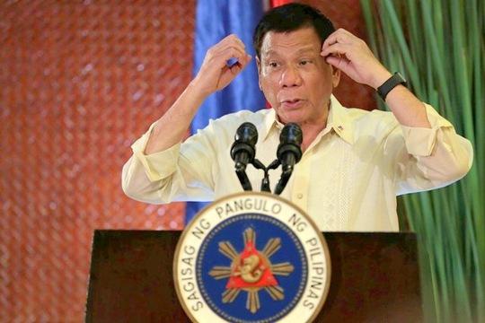 """Tổng thống Rodrigo Duterte nói nhận được tin tình báo """"đáng lo ngại"""" về hoạt động của Trung Quốc ở bãi cạn Scarborough. Ảnh: PHILSTAR"""