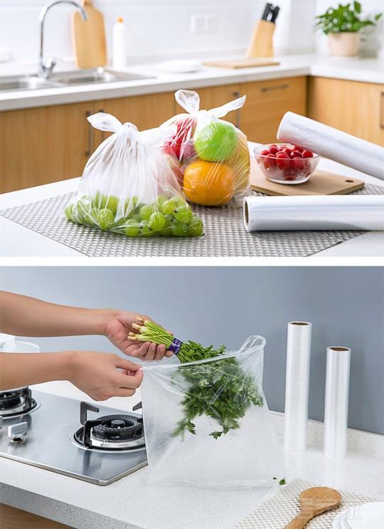Những chiếc túi trong suốt giúp phân chia và bảo quản thực phẩm.