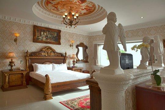 Phòng nghỉ với nội thất sang trọng. Ảnh: iVIVU.com