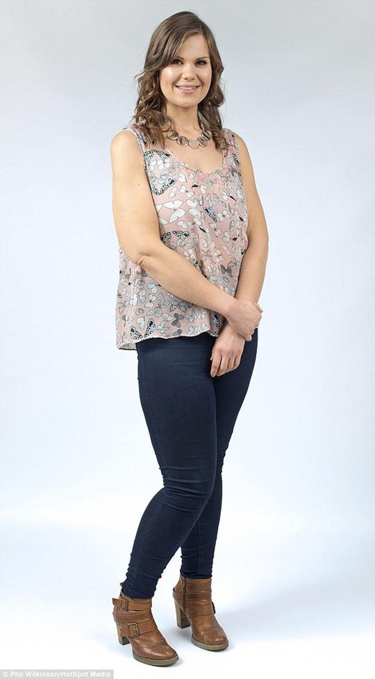 Sau 8 tháng hồi phục, Lisa đã trở lại mức cân khoẻ mạnh. Hiện cô nặng 70 kg và mặc quần áo cỡ 12.