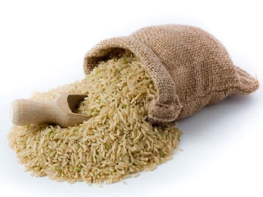 Gạo lứt góp phần sản xuất các tế bào máu đỏ nhiều hơn, tăng lưu lượng máu đến các bộ phận trên cơ thể.