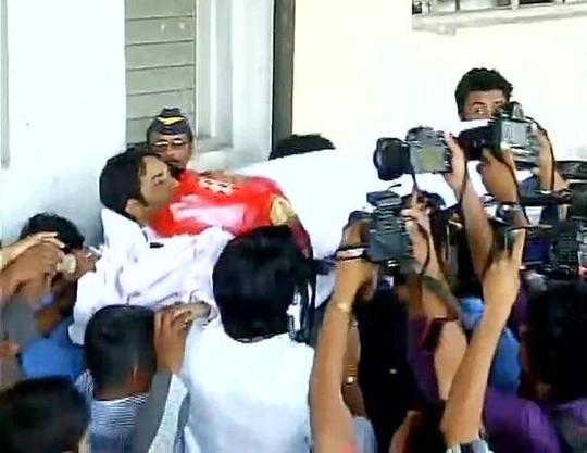 Pratyusha được chuyển ra khỏi bệnh viện