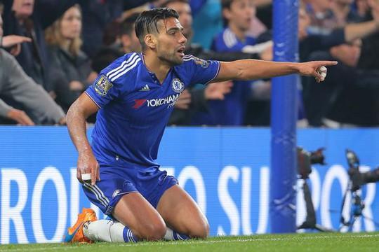"""Monaco chỉ trích M.U, Chelsea không biết """"xài"""" Falcao"""