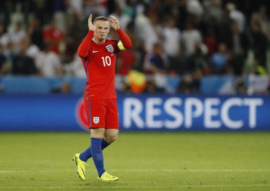 Dù tung Wayne Rooney ở đầu hiệp 2 nhưng tuyển ANh vẫn thi đấu bế tắc