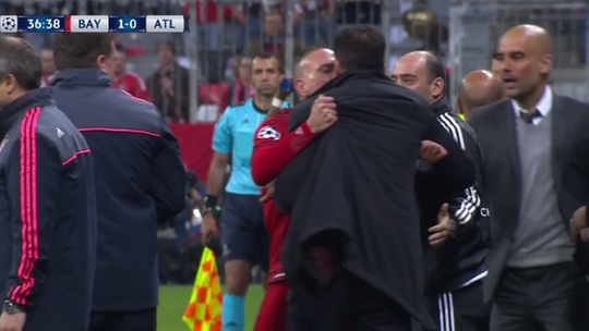 Ribery ẩu đả với Diego Simeone