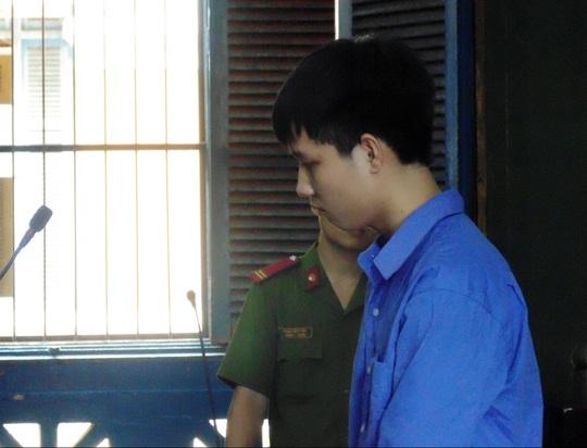 Nguyễn Văn Thiên trước vành móng ngựa