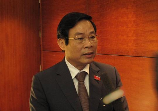 Ủy viên Trung ương Đảng khóa XI, Bộ trưởng TT-TT Nguyễn Bắc Son cho biết theo quy chế đã được thông qua, nhân sự là Ủy viên Trung ương Đảng khóa XI sẽ phải xin rút trong trường hợp được đề cử tại Đại hội XII, còn quyết định được rút hay không rút sẽ do Đại hội quyết định.
