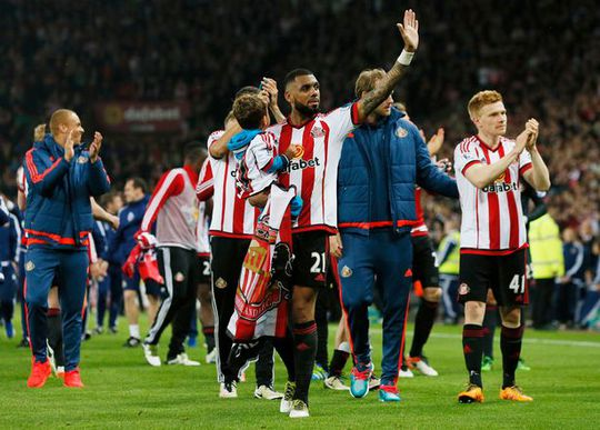 Tiền vệ Yann M'Vila khi còn khoác áo Sunderland
