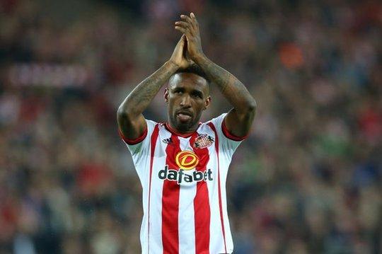 Tiền đạo 33 tuổi Defoe có phong độ cao trong màu áo Sunderland mùa này