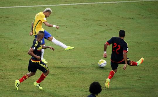 Neymar với cú sút quyết đoán và hiểm hóc