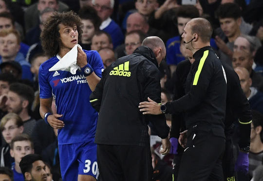 """Ngày tái ra mắt """"rướm máu"""" của Luiz"""