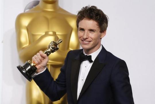 Eddie Redmayne hạnh phúc đoạt Oscar năm 2015