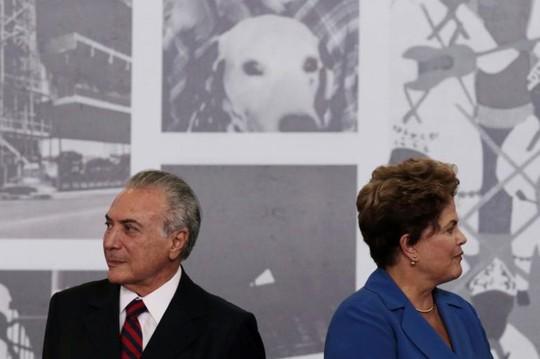 Chính phủ của ông Temer (trái) sẽ cầm quyền từ nay cho đến hết nhiệm kỳ hiện tại của bà Rousseff (phải) vào tháng 12-2018. Ảnh:Reuters