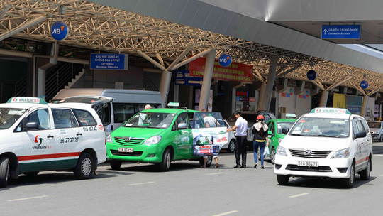Taxi truyền thống đang nỗ lực đổi mới để cạnh tranh - Ảnh: D.Đ.Minh