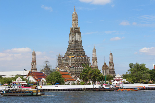 Hào hứng Thái Lan