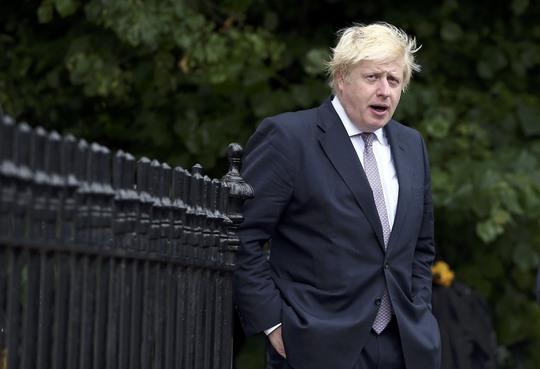 Ông Boris Johnson chưa nói gì về chuyện tham gia cuộc đua trở thành người kế nhiệm Thủ tướng Anh David Cameron. Ảnh: Reuters