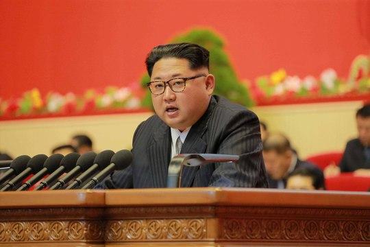 Nhà lãnh đạo Kim Jong-un phát biểu tại Đại hội Đảng Lao động Triều Tiên hôm 7-5 Ảnh: Reuters