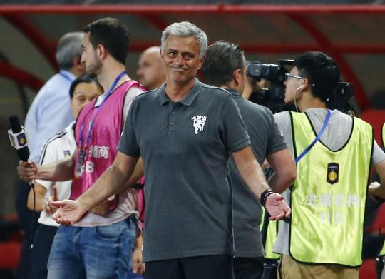 HLV Mourinho thất vọng khi M.U thua đậm Dortmund dù đây chỉ là trận giao hữu và đội hình vắng nhiều trụ cột Ảnh: REUTERS
