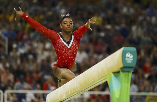 Nhà vô địch TDDC nữ Simon Biles phải nộp thuế gần 1 tỉ đồngẢnh: REUTERS