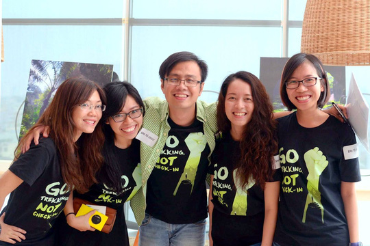 Nhóm bạn trẻ thực hiện chiến dịch cứu hang Sơn Đoòng