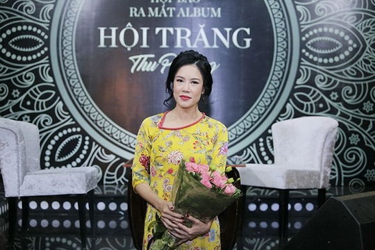 Nữ ca sĩ gốc Hải Phòng hợp tác cùng nhạc sĩ Dương Trường Giang thực hiện album Hội trăng với những ca khúc đã rất quen thuộc