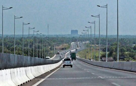 Một đoạn trên đường cao tốc TP HCM - Long Thành - Dầu Giây (Ảnh: PetroTimes)