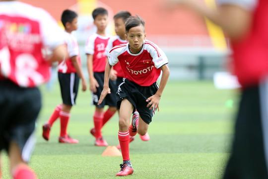 Khai mạc Trại hè bóng đá thiếu niên Toyota 2016