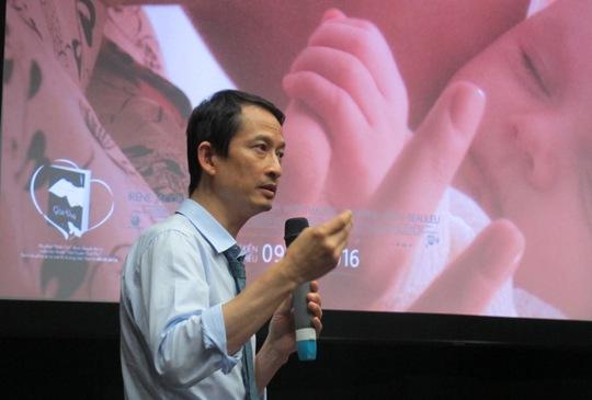 Trần Anh Hùng trò chuyện với khán giả Hà Nội về những điều thôi thúc anh làm phim Vĩnh cửu