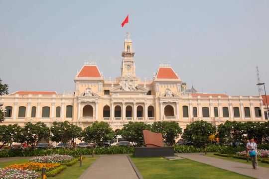 Quang cảnh trụ sở UBND TP HCM