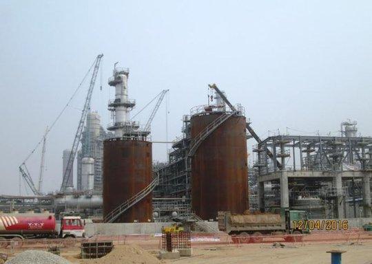 Nhà máy lọc hóa dầu Nghi Sơn sẽ lấu dầu thô ở phao không số cách bờ 35 km rồi đi theo đường ống ngầm dưới biển để đưa vào nhà máy