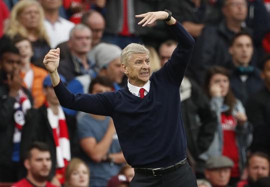 HLV Arsene Wenger hú vía sau trận thắng ngược dòng trước Southampton