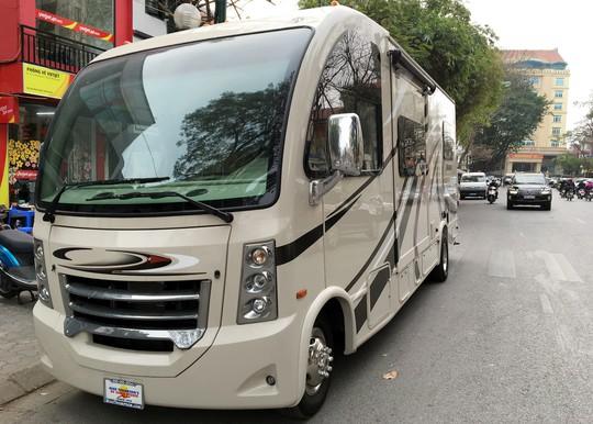 Chiếc xe nhà di động sẽ cùng Chi Bảo xuyên Việt để quảng bá về quỹ Hiểu về trái tim