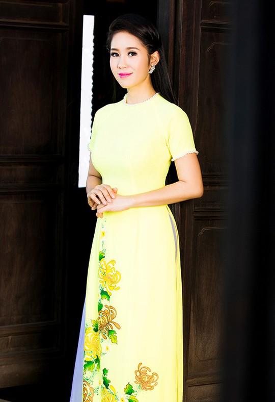 Năm qua Lê Phương tham gia khá nhiều phim truyền hình và đóng kịch tại sân khấu Thế giới trẻ