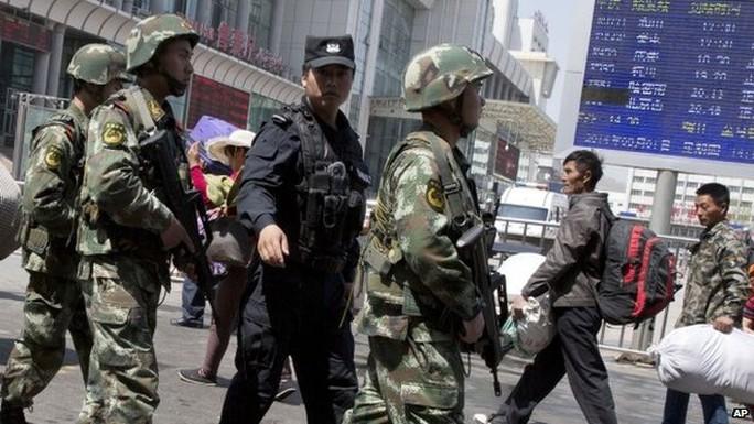 Trung Quốc bắt đầu thực hiện chiến dịch trấn áp mạnh tại Tân Cương từ giữa năm 2014. Ảnh: AP