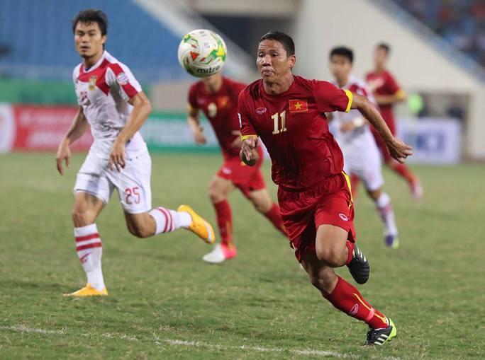 Anh Đức chơi năng nổ trên hàng công của tuyển Việt Nam lẫn CLB B.Bình Dương