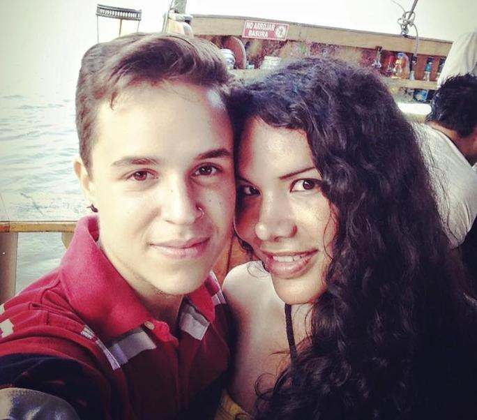 Fernando Machado (trái) và Diane Rodriguez (phải) sắp đón đứa con đầu lòng . Ảnh AP