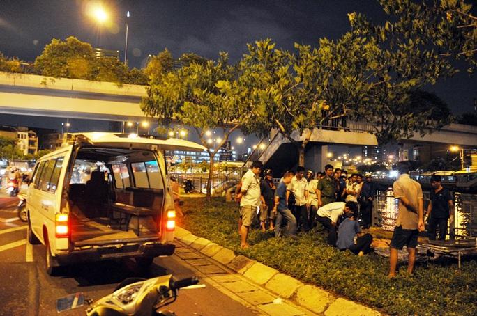 Thi thể nạn nhân được tìm thấy lúc 19 giờ ngày 29-9