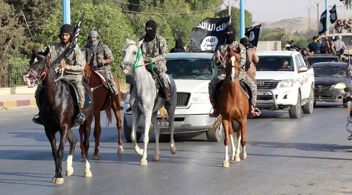 Nga lo ngại IS mở rộng ảnh hưởng ở Afghanistan và huấn luyện công dân mình tấn công khủng bố. Ảnh: RT
